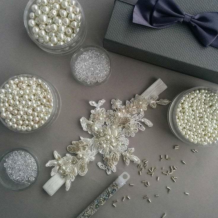 Свадебная подвязка невесты.